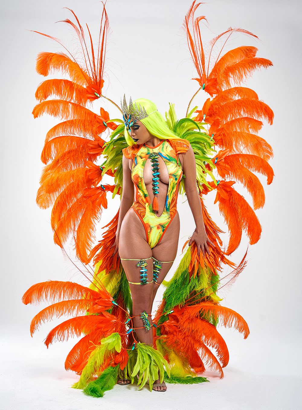 XODUS POISON IVY - MONOKINI W LARGE BACKPACK & FEATHERED LEGS